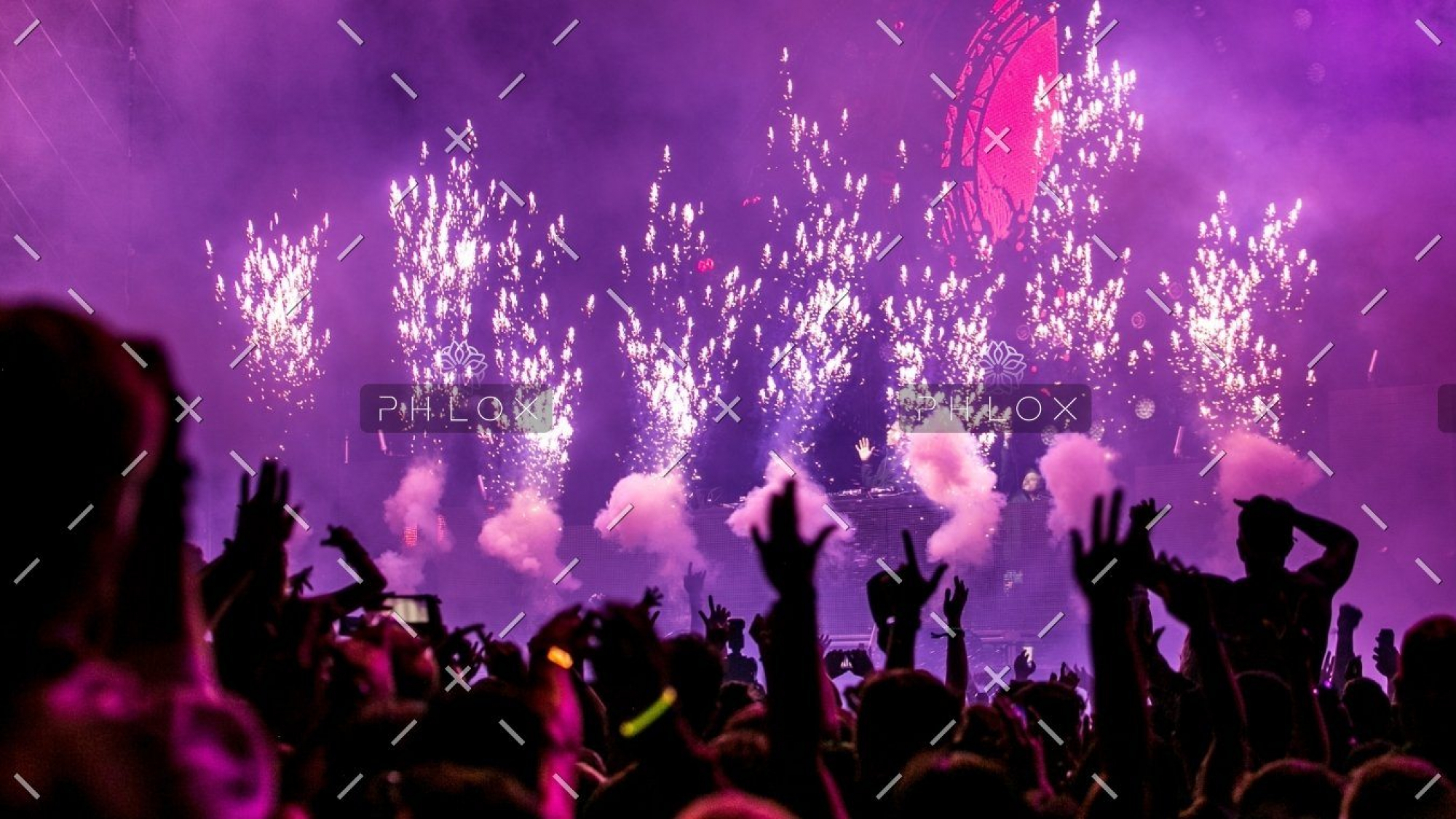demo-attachment-32-purple-fireworks-effect-1190298